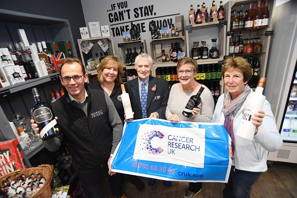 Charity gin tasting raises money for Cancer Research